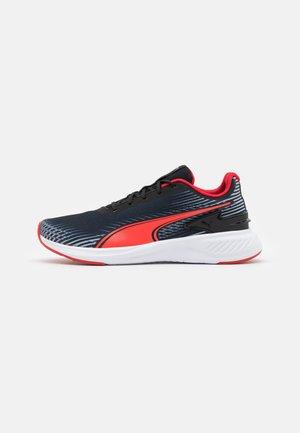 ARRIBA - Neutrální běžecké boty - black/high risk red