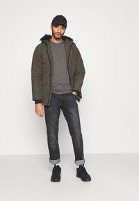 Burton Menswear London - SHORT SLEEVE CREW 7 PACK - T-shirt basic - black - 0