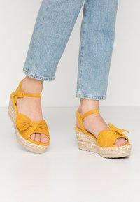 Refresh - Sandały na platformie - panama - 0