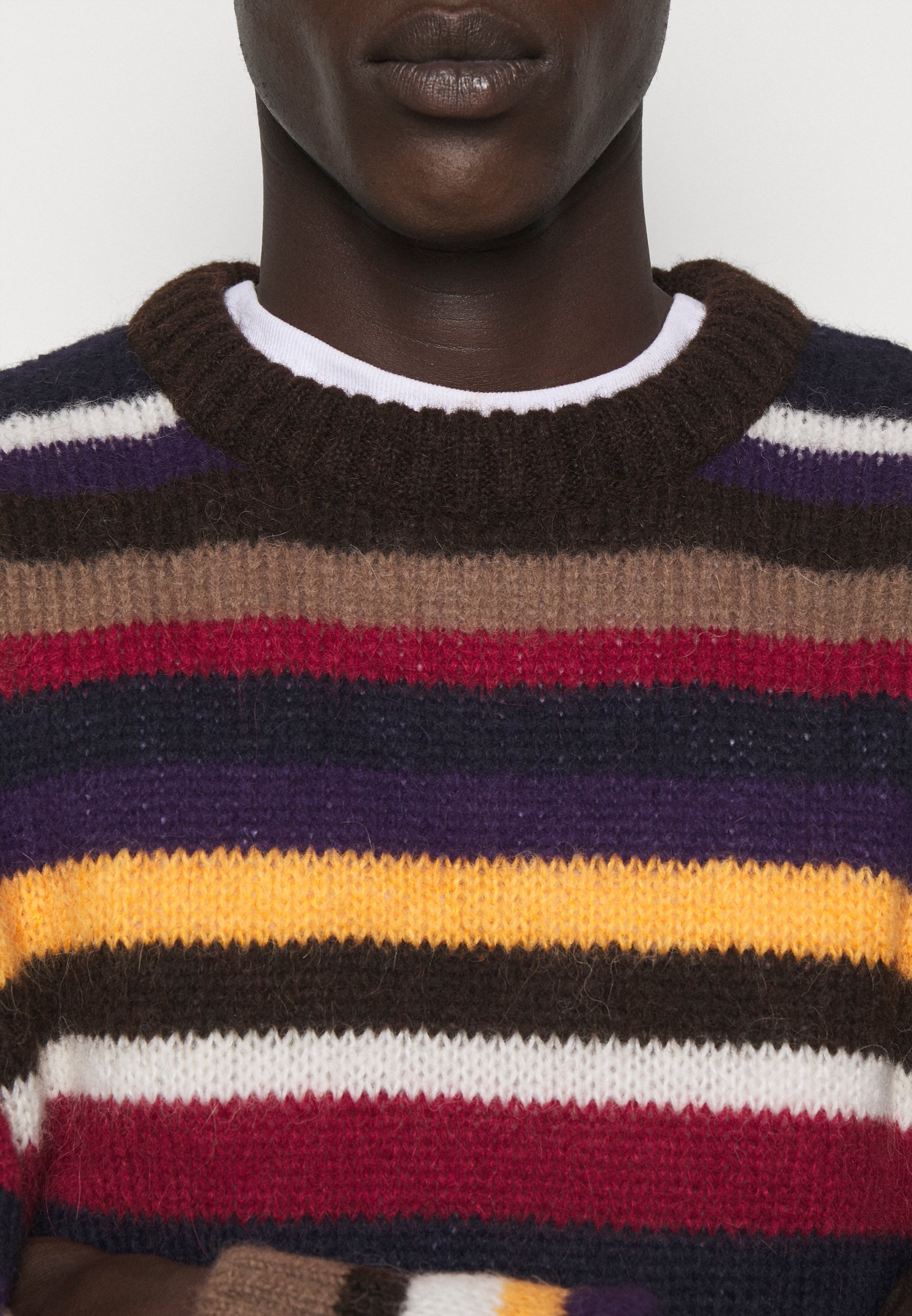 brun multicolor brun genser