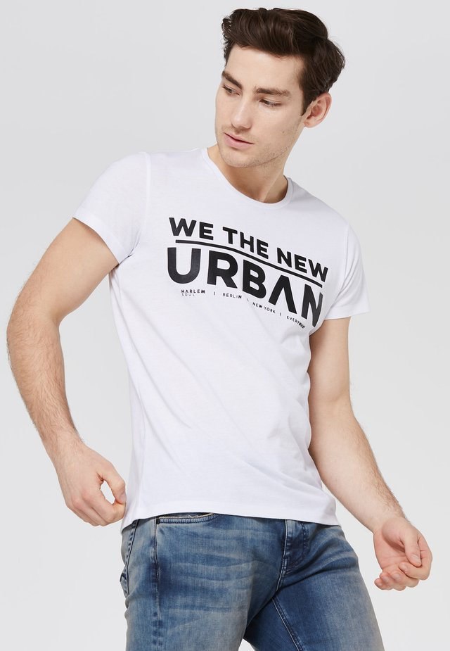 BEL-FAST  - Print T-shirt - white