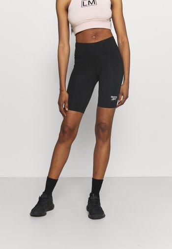 RI SL FITTED SHORT - Leggings - black