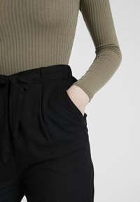 Monki - PALEY TROUSERS - Broek - black - 4