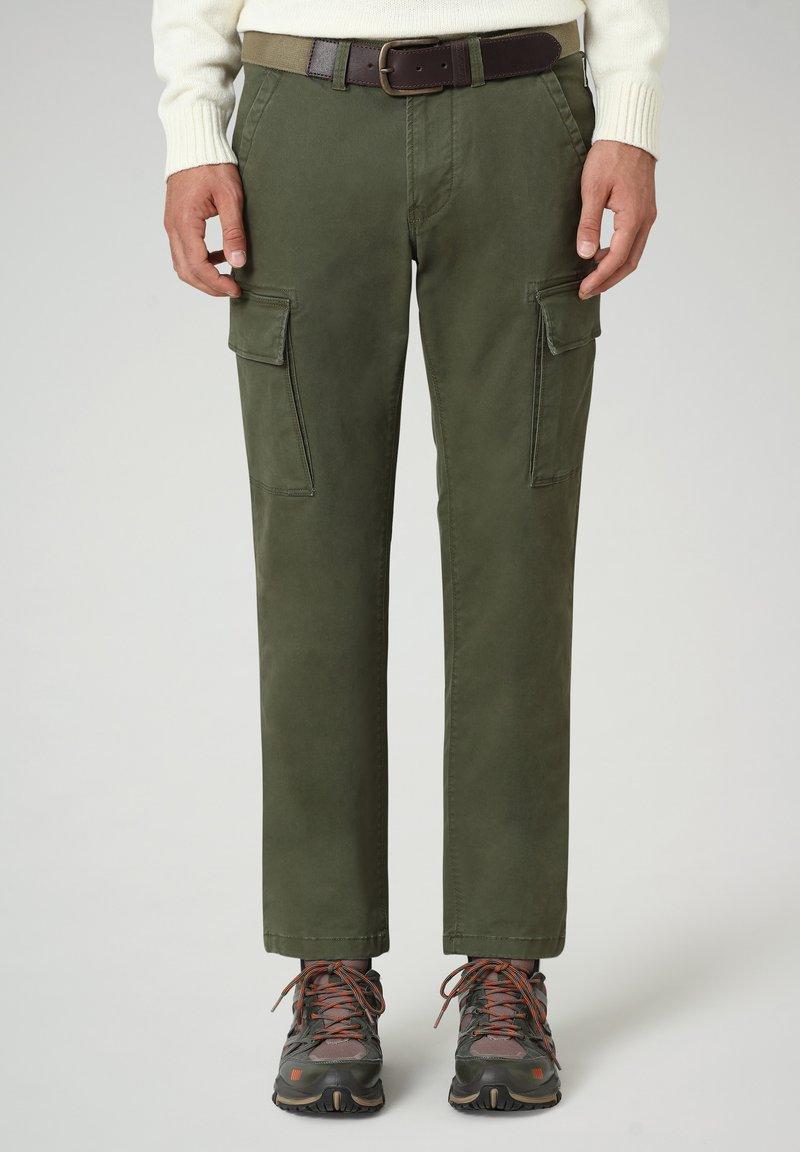 Napapijri - MOTO WINT - Cargo trousers - green depths