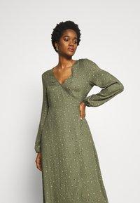 Cotton On - WRAP LONG SLEEVE MIDI DRESS - Kjole - green - 3