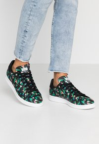 adidas Originals - STAN SMITH - Baskets basses - core black/footwear white - 0