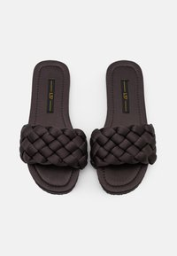 L37 - WELCOME HOME - Slippers - black - 5