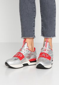 Replay - MEW - Trainers - silver/red - 0