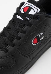Champion - LOW CUT SHOE CHICAGO - Sports shoes - new black - 5