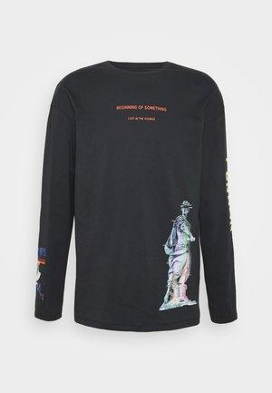 JORICON TEE CREW NECK - T-shirt à manches longues - tap shoe/box