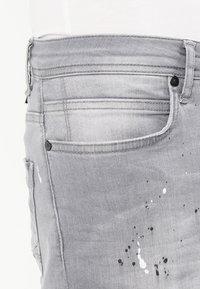 Cars Jeans - CAVIN - Slim fit jeans - grey used - 3