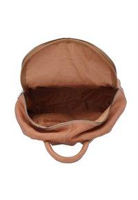 Cowboysbag - ESTELL - Rucksack - brown - 4