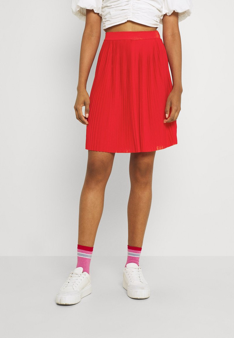 Vila - VIPLISS SKIRT - Plisovaná sukně - flame scarlet