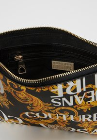Versace Jeans Couture - Clutch - black/gold - 4