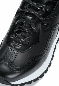 HUGO - Trainers - black - 6