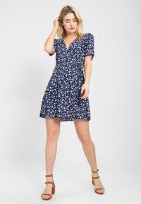 MINKPINK - SHADY DAYS TEA DRESS - Day dress - blau - 1