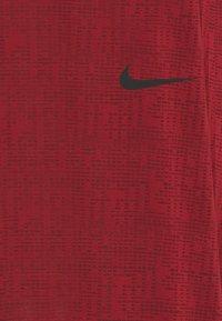Nike Performance - T-shirts basic - dark cayenne/black - 2