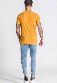 Gianni Kavanagh - T-shirt basique - gold - 2
