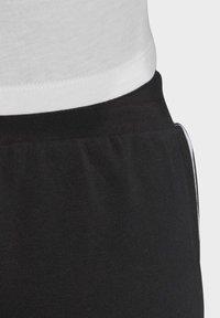adidas Originals - SLIM CUFFED JOGGERS - Joggebukse - black - 6