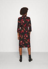 ONLY Tall - ONLNOVA LONG SHIRT DRESS - Košilové šaty - black - 2