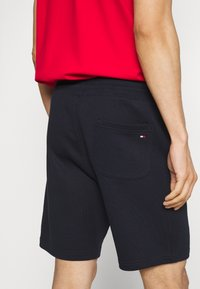 Tommy Hilfiger - BASIC EMBROIDERED  - Shorts - blue - 3