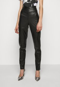 Patrizia Pepe - Leggings - Trousers - nero - 0