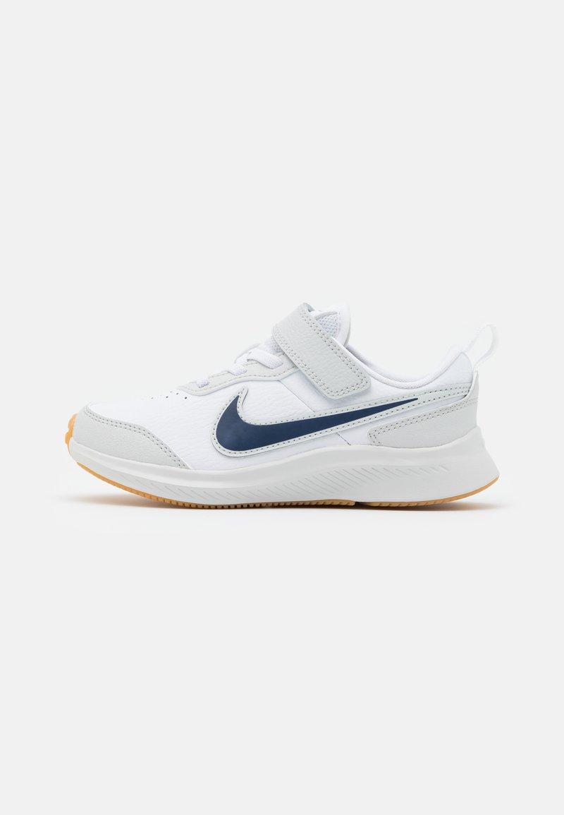 Nike Performance - VARSITY UNISEX - Neutral running shoes - white/midnight navy/photon dust/summit white