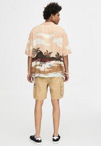 PULL&BEAR - Shirt - off-white - 2