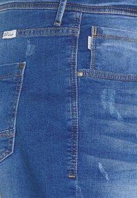 Blend - SCRATCHES - Denim shorts - clear blue - 2