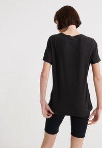 Superdry - SUPERDRY PHOTOGRAPHIC WORKWEAR T-SHIRT - T-shirt print - black - 2