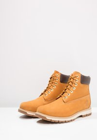 Timberland - RADFORD 6 IN BOOT WP - Bottines à lacets - wheat - 2
