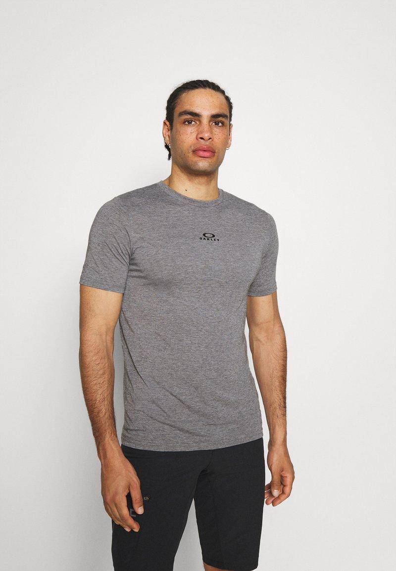 Oakley - BARK NEW - Basic T-shirt - athletic heather grey