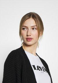 Levi's® - THE PERFECT TEE - T-shirt print - white - 3