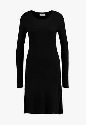 KROWN FLARE DRESS - Strikkjoler - black