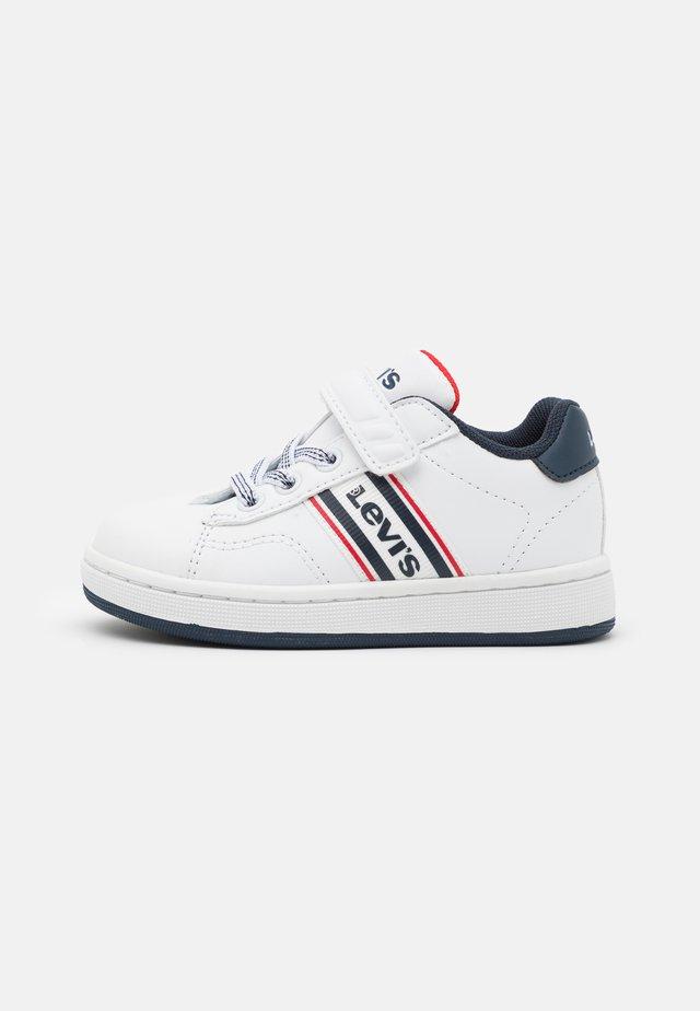 BRANDON  - Sneakersy niskie - white/navy