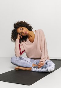Sweaty Betty - RECLINE  - Jumper - misty rose pink - 3