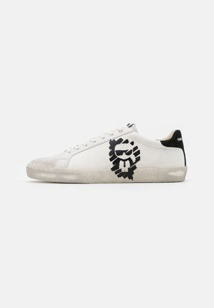 SKOOL IKONIC STENCIL - Trainers - offwhite