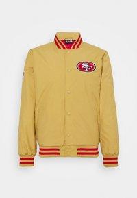New Era - NFL SAN FRANCISCO 49ERS NFL TEAM WORDMARK - Giacca sportiva - gold - 4