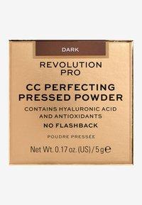 Revolution PRO - CC PERFECTING PRESSED POWDER - Powder - dark - 3