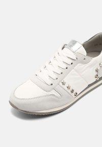 Peter Kaiser - DAYTON - Sneakers laag - white - 7
