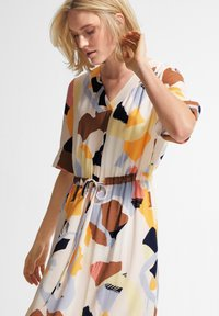 comma casual identity - Day dress - blush abstract geo - 3