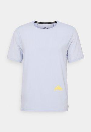 TRAIL RISE - T-shirt print - ghost