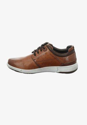 ENRICO  - Zapatos con cordones - cognac/kombi