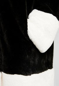 Gina Tricot - EVERLYN COAT - Zimní kabát - black/white - 3