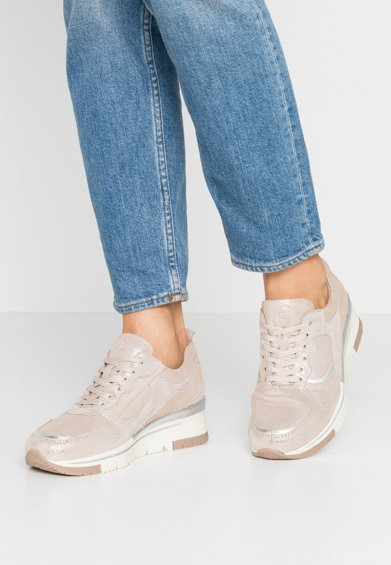 Tamaris Pure Relax - LACE-UP - Sneakers laag - champagne