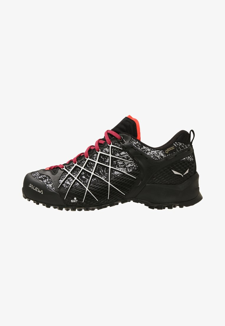 Salewa - WILDFIRE GTX - Hiking shoes - black/white