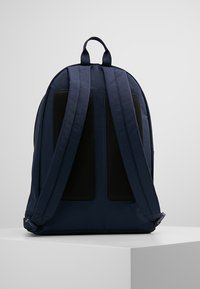 Lacoste - BACKPACK - Sac à dos - marine/peacoat - 2