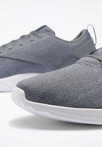 Reebok - REEBOK ASTRORIDE SOUL 2.0 SHOES - Sports shoes - grey - 5