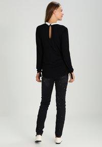 Envie de Fraise - CLAUDIA  - Camiseta de manga larga - black - 2