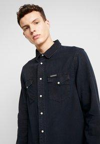 Calvin Klein Jeans - MODERN WESTERN SHIRT - Camisa - blue black - 3